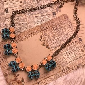 Jewelry - Turquoise skull & roses necklace